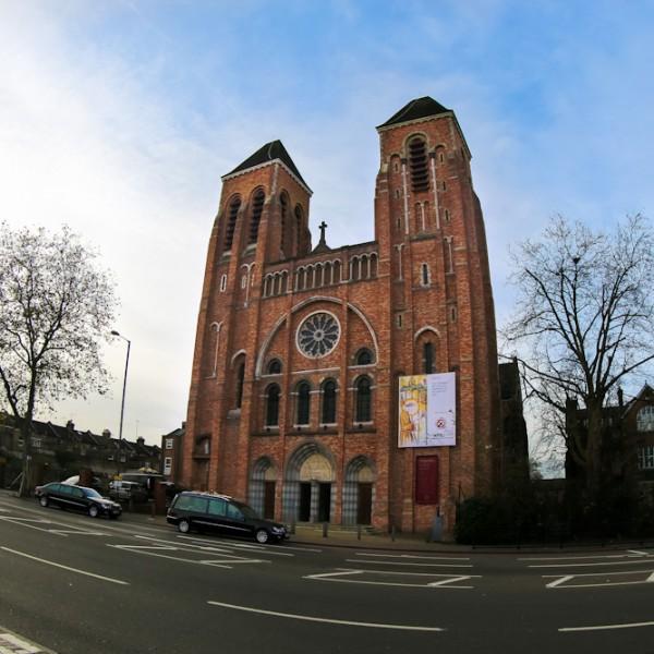 Kościół z zewnątrz - St Ignatius
